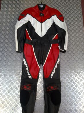 Spyke 2pc Suit Red white