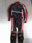 Spyke 2pc Suit BLACK  RED